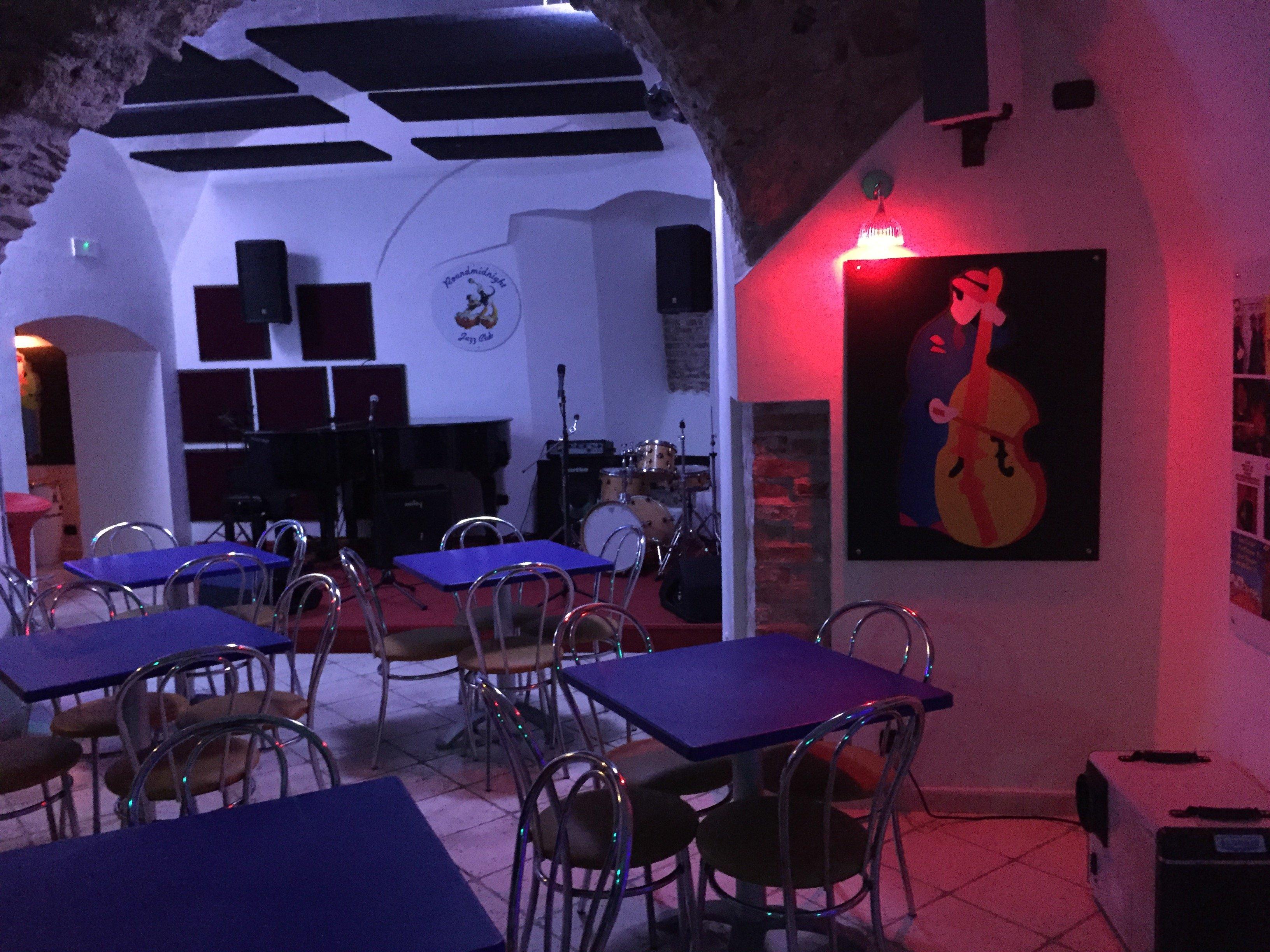 Round Midnight Jazz Club